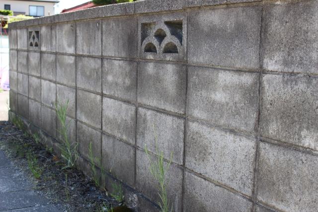 大地震の際、ブロック塀は危険?安全確認のポイントとは