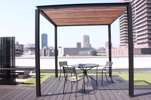 リフォームで自宅に屋上を!活用法や注意点もご紹介!
