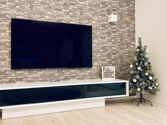 お部屋をすっきりと~壁掛けテレビ設置のポイント~