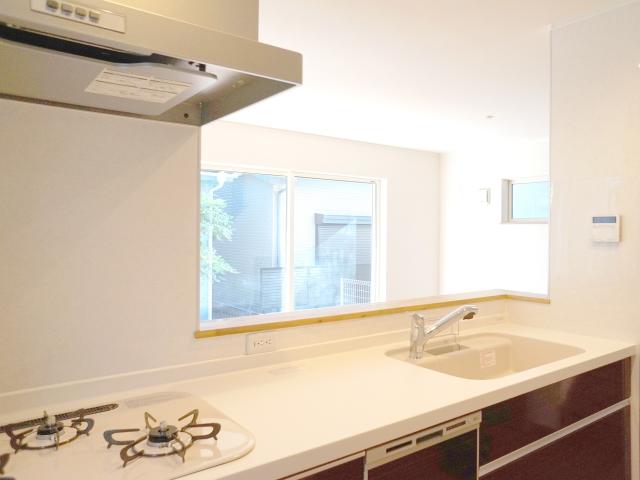 キッチンの壁材はパネルとタイルどっちがいいの?