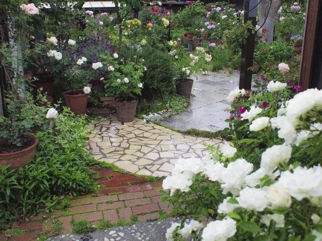 タイルを使ってお庭をおしゃれにしてみませんか!